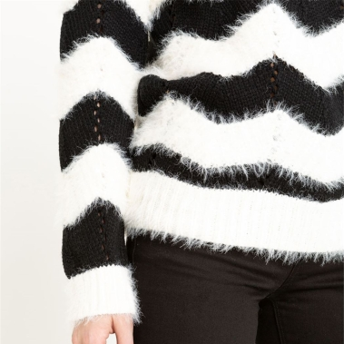 pull-noir-et-blanc-gdm.jpg