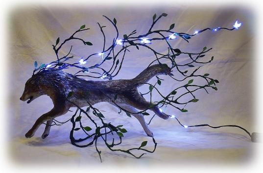 Sculpture Loup lumineux